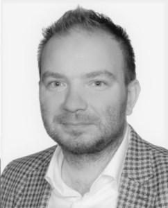 Krzysztof Synoradzkii dyrektor operacyjny restrukturyzacja optymalizacja procesow szkolenia